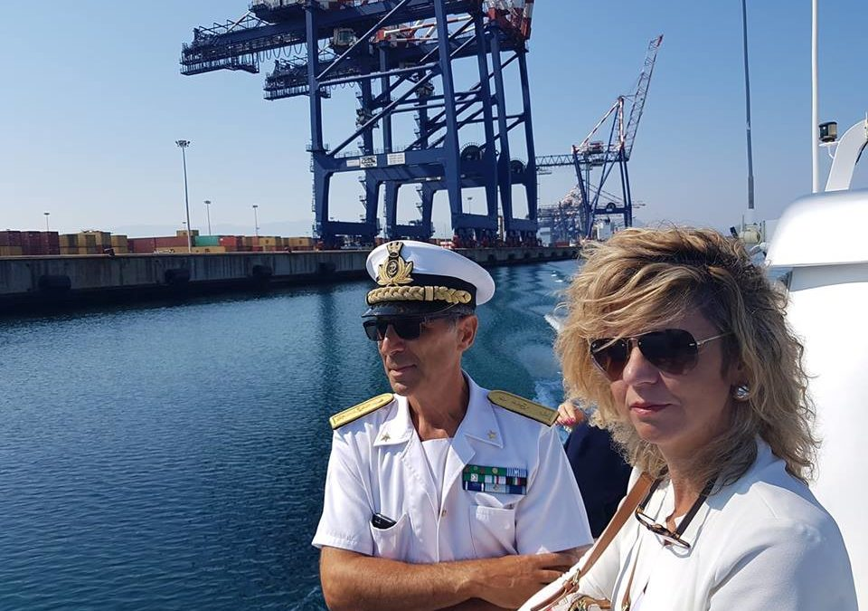 Il ministro per il Sud Barbara Lezzi in visita a Gioia Tauro