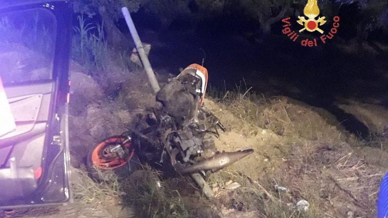 Drammatico incidente stradale nel CatanzareseMuore un giovane di 18anni a pochi metri da casa