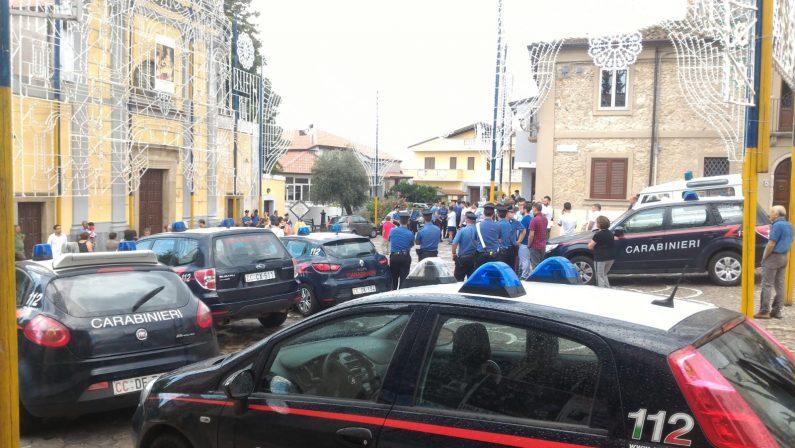 Boss bloccato durante processione a Zungri nel Vibonese: il vescovo: «Fatto increscioso, non avrebbe dovuto verificarsi»