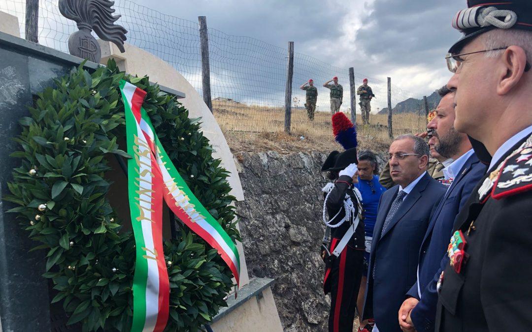 VIDEO – Il ministro Salvini rende omaggio al carabiniere Carmine Tripodi