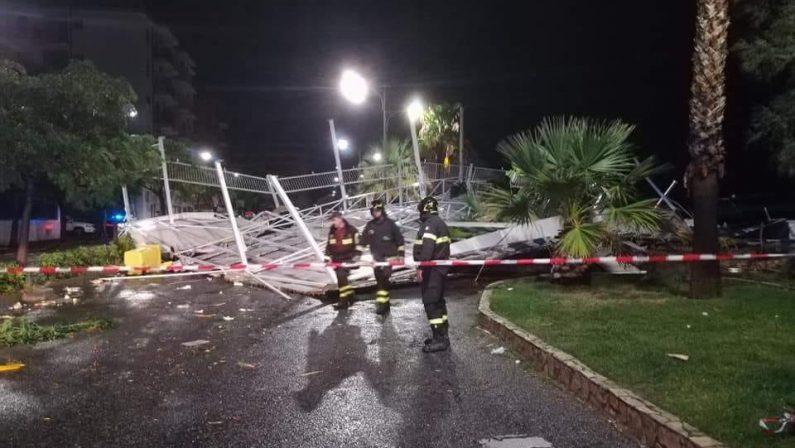 Tromba d'aria devasta il litorale di Borgia e Catanzaro: lidi distrutti e alberi abbattuti