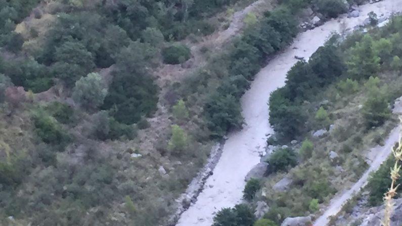 FOTO - Travolti dal torrente in piena, morti tra le gole del Raganello a Civita: i soccorsi