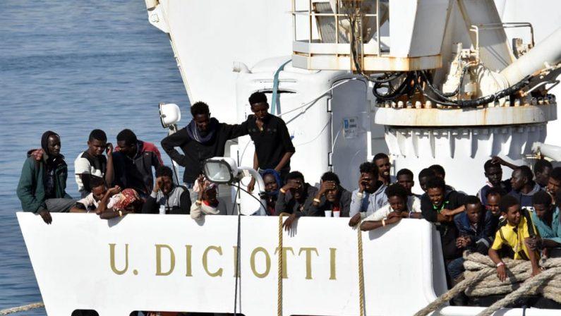 Anche in Calabria i migranti giunti con la DiciottiDue Diocesi ospiteranno gratuitamente le famiglie
