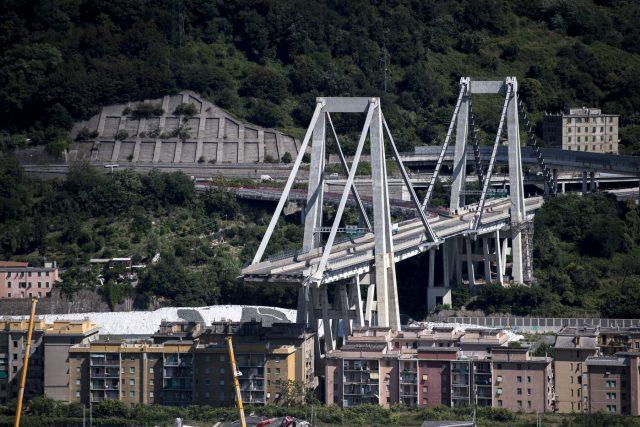 Crollo a Genova, sale a sei il bilancio delle vittime napoletane