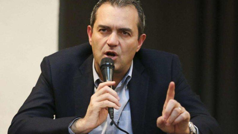 Elezioni regionali, ArticoloUno si smarca dal centrosinistra e sceglie de Magistris