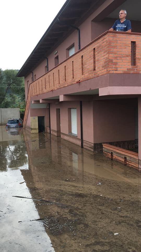 Maltempo, notte di paura: colpita lacosta tirrenicaAllagamenti e danni nel Vibonese. Ferrovia chiusa