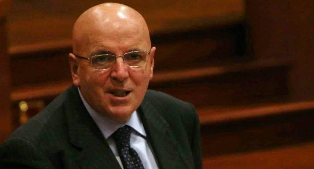 L'ex governatore Mario Oliverio