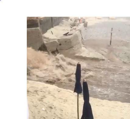 VIDEO - Maltempo nel Vibonese, fiumi di acqua a Tropea: molti i disagi