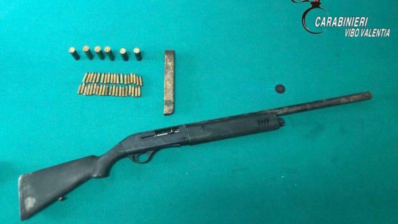 Armi nascoste in un vecchio magazzinoArrestato commerciante nel vibonese