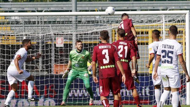 Il Cosenza non ferma la corsa del CittadellaA Padova calabresi sconfitti per 2-0