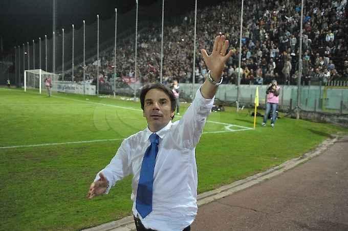 Camorra a Cava de' Tirreni, indagato l'allenatore Eziolino Capuano: perquisita la sua casa a Pescopagano