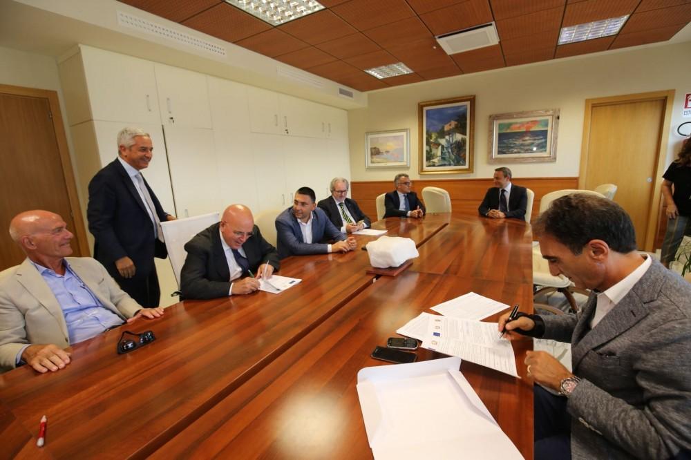 Firmata l'intesa sul Por 2014-2020, pronti quasi 200 milioniSaranno ripartiti tra le città calabresi in due progetti
