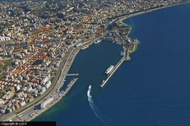 Emergenza coronavirus, divieto di ingresso, transito e sosta al porto di Reggio Calabria