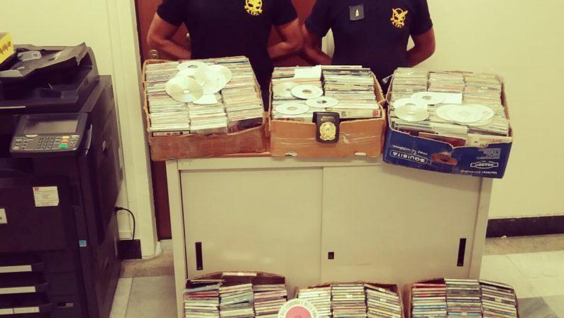 Vendeva Cd musicali contraffatti nel ViboneseDenunciato commerciante, sequestrati mille pezzi
