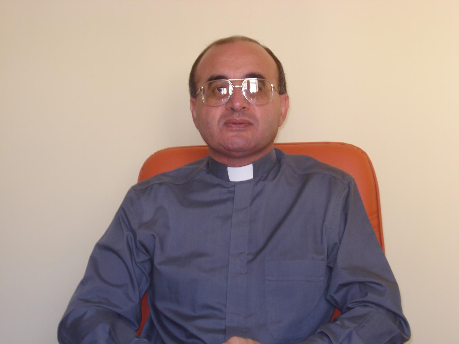 Muore parroco del Vibonese: un infarto a 56 anniLutto nella Chiesa: il sacerdote si è spento nel sonno