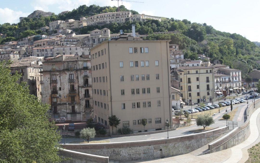 Cosenza, pronta la demolizione dell'ex Hotel Jolly  Lavori per il Museo di Alarico e confluenza dei fiumi