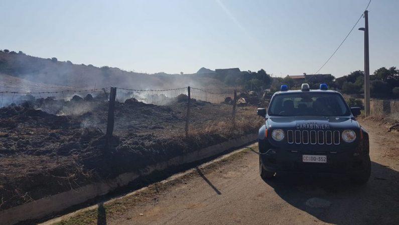 Incendia podere per una lite di vicinato nel RegginoPoi fugge dai domiciliari, doppio arresto per un uomo