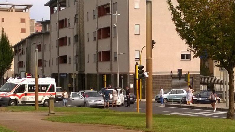 Incidenti e auto contromano: i lavori su viale Mancini a Cosenza sono già un rischio
