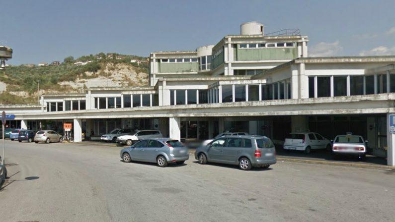 Tredicenne violentata a Cosenza, oggi l'interrogatorioLo stupro sarebbe avvenuto nella stazione ferroviaria