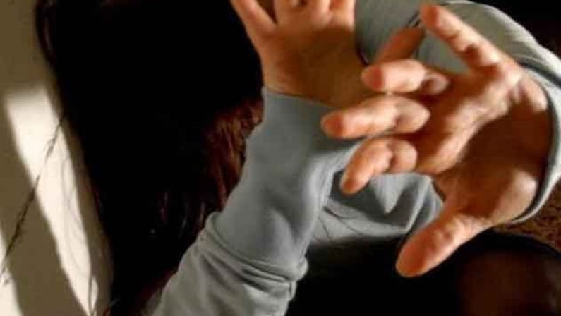 Aggredisce la moglie davanti ai figli, arrestatoL'ira dell'uomo anche davanti ai carabinieri