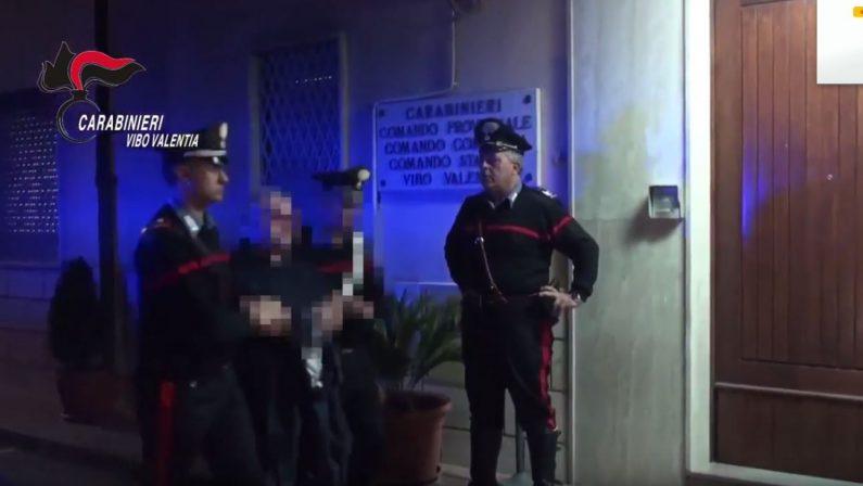 Sequestrata e selvaggiamente picchiata per diverse oreTre persone arrestate nel Vibonese, c'è anche il compagno della vittima