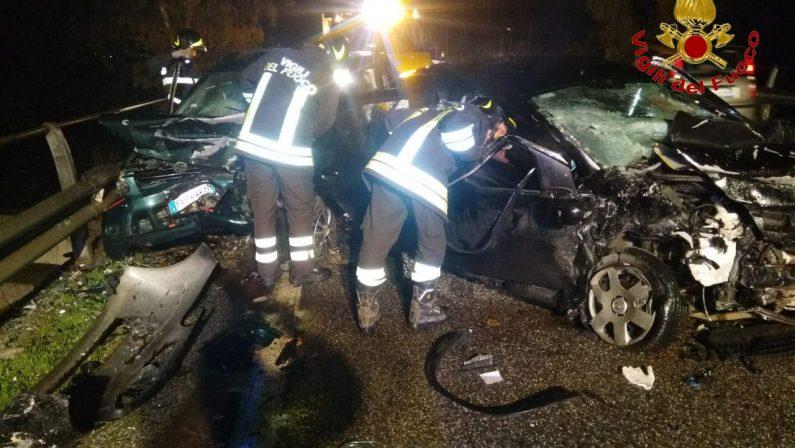 Tragedia in provincia di Crotone, un morto e un feritoIncidente stradale sulla statale 107 Silana-Crotonese