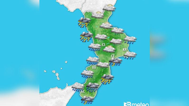 Nuova allerta meteo Arancione oggi e domani sulla CalabriaAllarme nel Catanzarese, il sindaco Abramo chiude le scuole