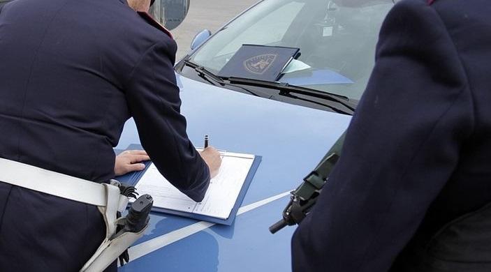 Chiedeva soldi e favori sessuali per cancellare multeArrestato nel Reggino un poliziotto della Stradale