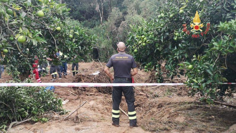 Lamezia Terme, ritrovato il corpo del piccolo NicolòEra a 500 metri da dove era quello della madre