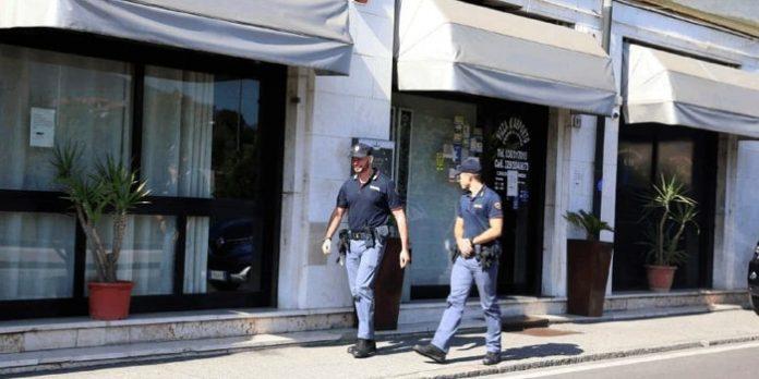 'Ndrangheta, ritrovate armi in una pizzeria di BresciaL'uomo arrestato è legato alle cosche del Reggino
