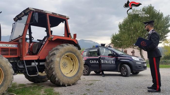 Due arresti per furto e ricettazione di veicoli agricoli tra Basilicata e Calabria