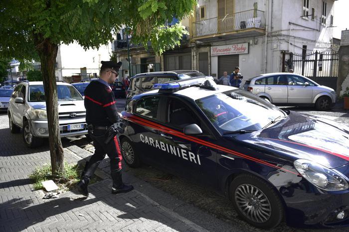 Getta chiodi in strada in un paese del CosentinoIl responsabile scoperto dopo diverse denunce