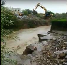VIDEO - Maltempo in Calabria, esonda il torrente Umbro nel Catanzarese: case allagate