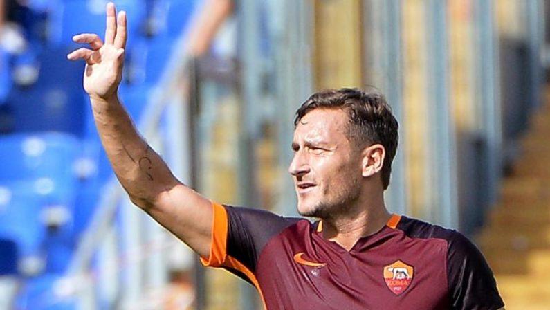 Francesco Totti e la sua vacanza in Calabria da ragazzo«A Tropea il mio primo rapporto sessuale»