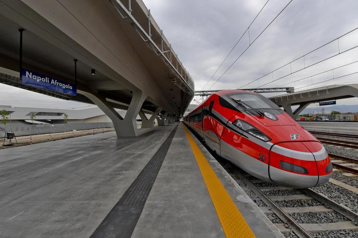 Collegamento stazione Afragola-metrò Napoli: la Regione stanzia 4 milioni
