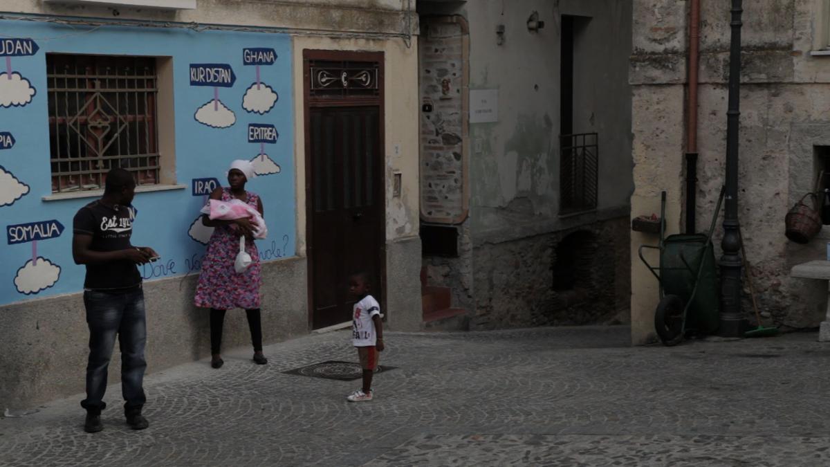 """""""Il Paese di Calabria"""", il film su Riace in streaming gratuito  La decisione di registi e produttori per sostenere Lucano"""