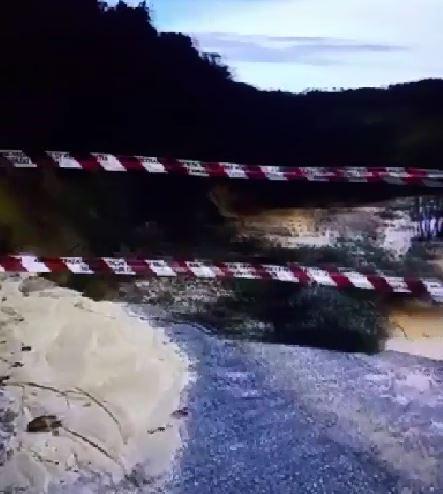 VIDEO - Maltempo in Calabria: la statale 110 del Vibonese non esiste più, franata la strada