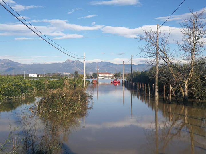Esondazione del fiume Crati, dopo la protesta sulla statale 106 iniziano i lavori