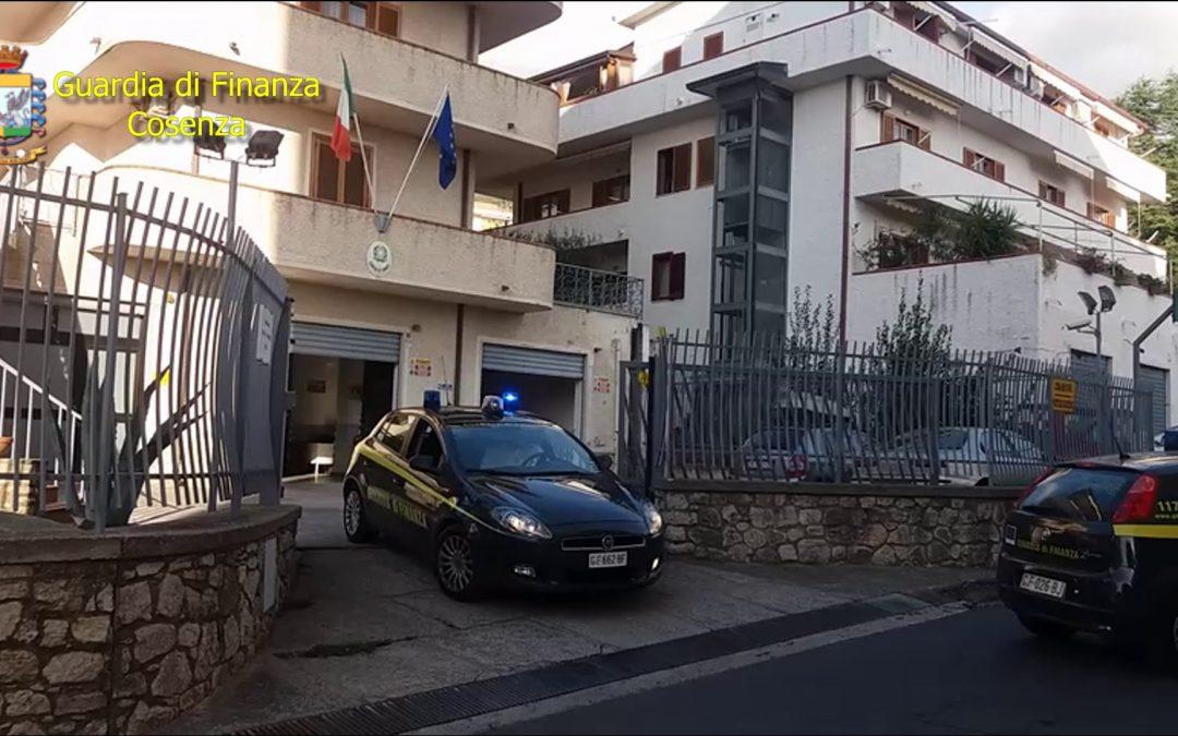 Blitz della Finanza nel Cosentino, 20 indagati 14 arresti  Tra loro il sindaco, il vicesindaco e un assessore di Fuscaldo