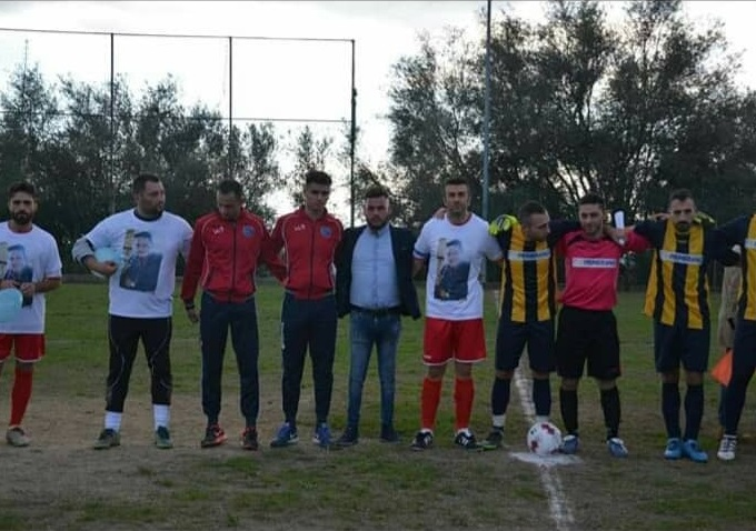 Scomparsa Francesco Vangeli, ricordo nel ViboneseIn campo con il volto del giovane sulla maglia