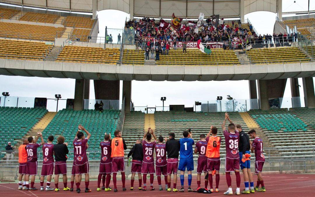 Il Locri saluta i propri tifosi nello stadio del Bari