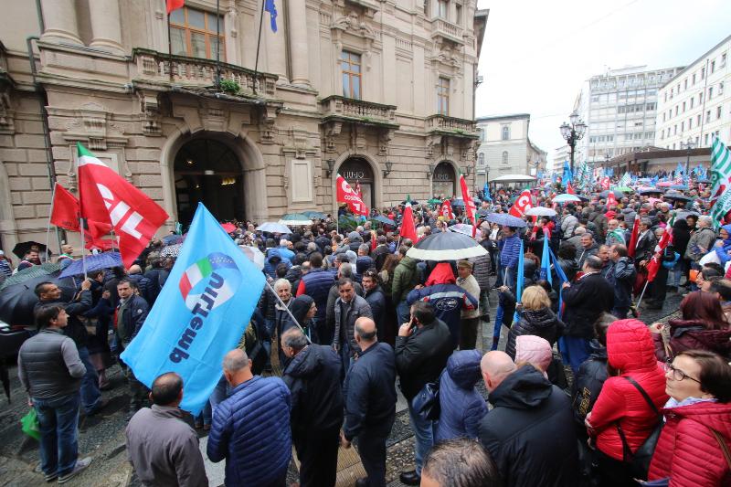 Lavoratori ex Lsu-Lpu manifestano a CatanzaroDopo venti anni si cerca ancora la stabilizzazione
