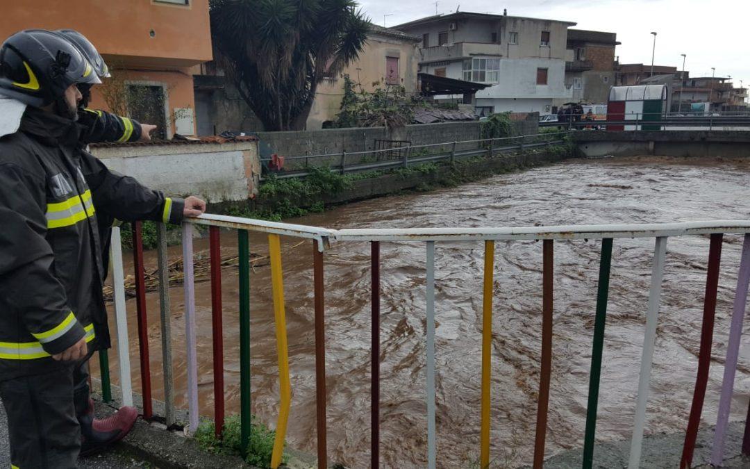 Maltempo, la pioggia flagella ancora la Calabria  Fiumi sorvegliati nel Reggino. Ma il meteo migliora