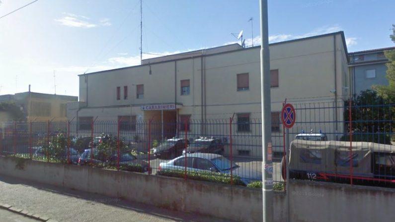 Aggredisce i genitori, diciottenne arrestato dai carabinieri nel Crotonese