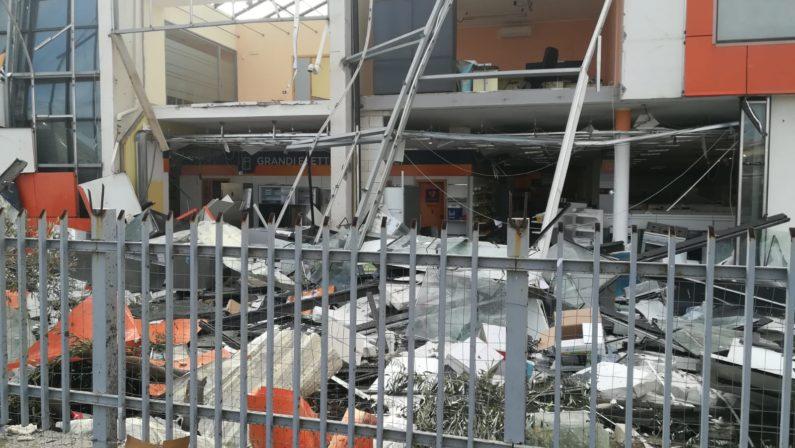 Maltempo, trombe d'aria nel Catanzarese e a CrotoneAllagamenti e danni ingenti, una persona è rimasta ferita