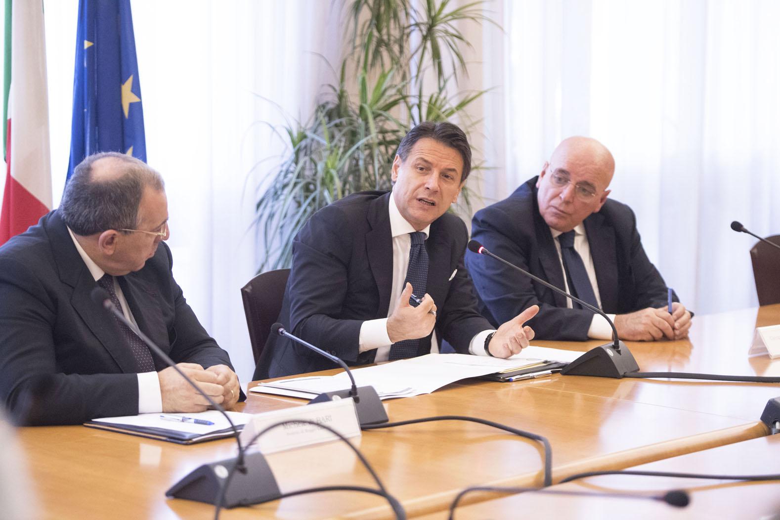Mafia: il Presidente Conte a Napoli dai giornalisti minacciati