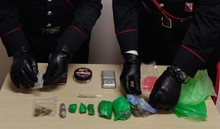 Pompei, droga e bomba carta nel giardino: arrestato giovane incensurato