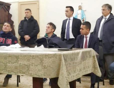 Il vicepremier Di Maio a Napoli, contestazioni nella sua Pomigliano