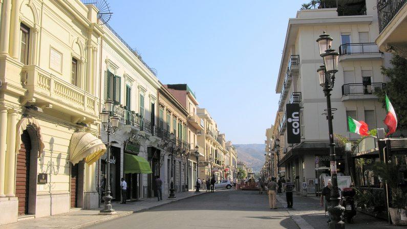 Rapine e scippi in centro a Reggio Calabria, due arresti