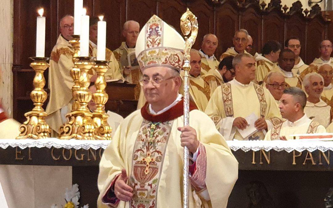 Il vescovo di Mileto Luigi Renzo